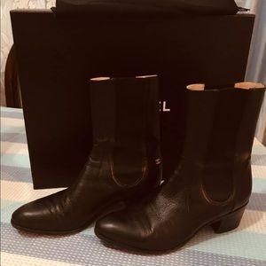 Chanel boots size 39 color black